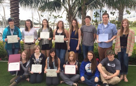 Staff from the Cedar Post (Sandpoint) stand with their Write-off Awards at the 2014 National High School Journalism Convention in San Diego.